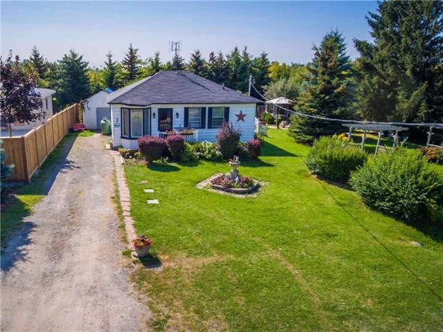 Detached at 481 Grand Trunk St, Whitby, Ontario. Image 12