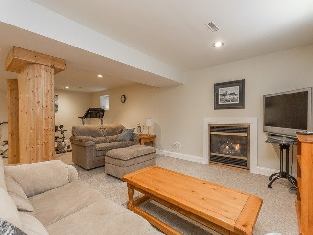 Detached at 54 Rothean Dr, Whitby, Ontario. Image 11