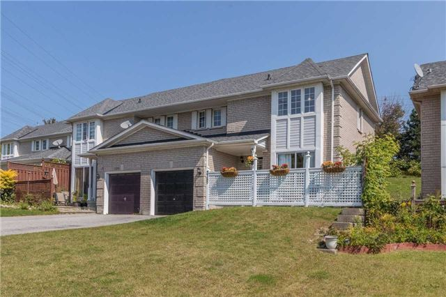Townhouse at 2389 Clearside Crt, Pickering, Ontario. Image 1
