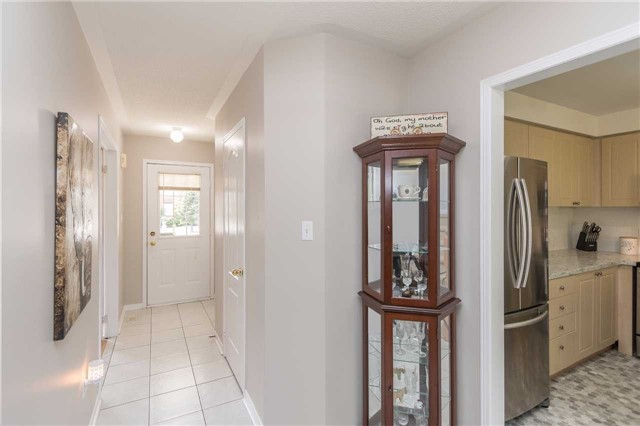 Townhouse at 2389 Clearside Crt, Pickering, Ontario. Image 12