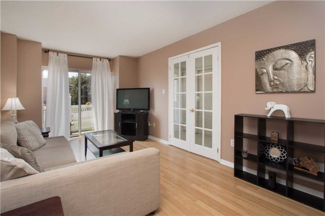 Townhouse at 2389 Clearside Crt, Pickering, Ontario. Image 15