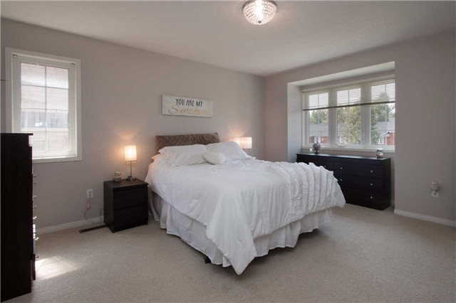 Townhouse at 2389 Clearside Crt, Pickering, Ontario. Image 5