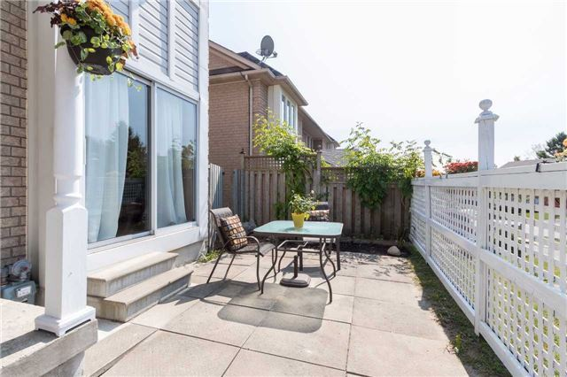 Townhouse at 2389 Clearside Crt, Pickering, Ontario. Image 11