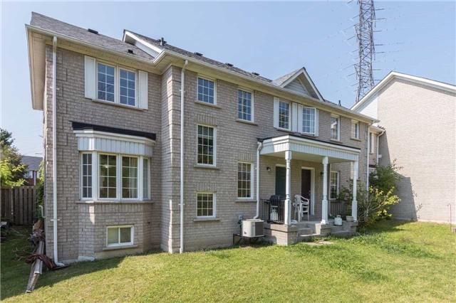 Townhouse at 2389 Clearside Crt, Pickering, Ontario. Image 13
