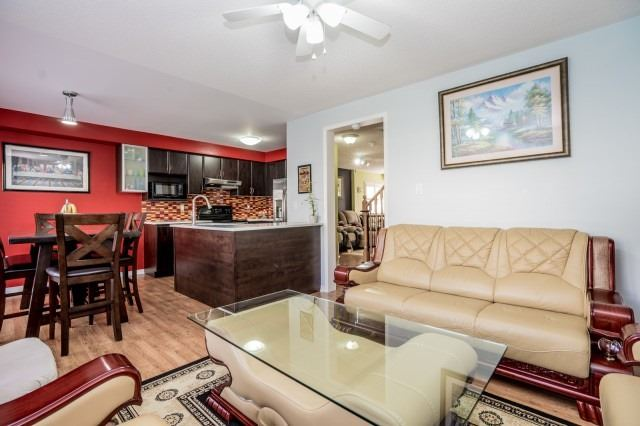 Detached at 16 Seven Oaks St, Whitby, Ontario. Image 16