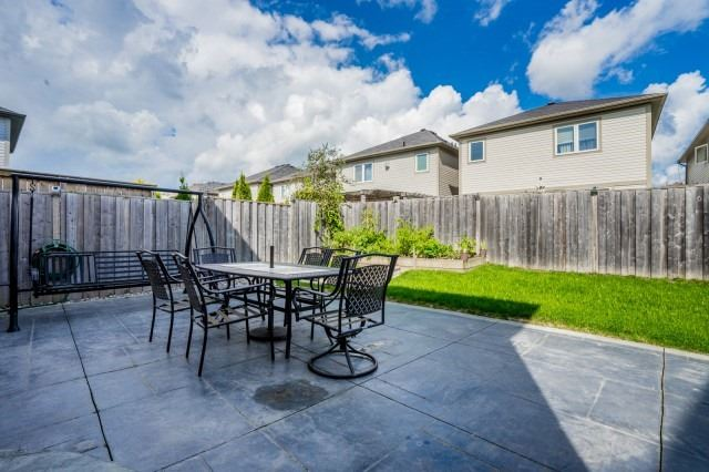 Detached at 16 Seven Oaks St, Whitby, Ontario. Image 13