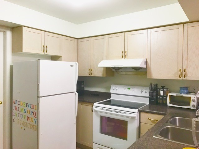 Condo Townhouse at 200 Mclevin Ave, Unit 80, Toronto, Ontario. Image 7