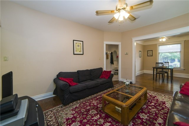 Semi-detached at 52 Frizzell Ave, Toronto, Ontario. Image 16