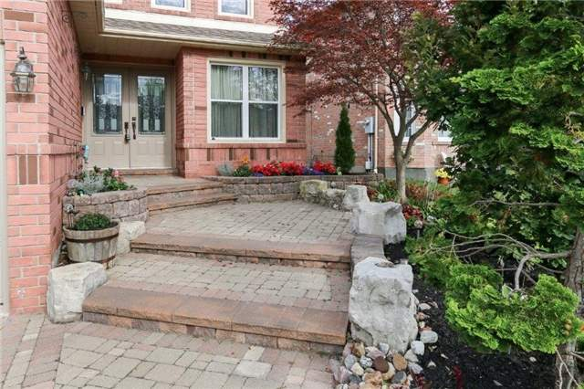 Detached at 47 Valleywood Dr, Whitby, Ontario. Image 12