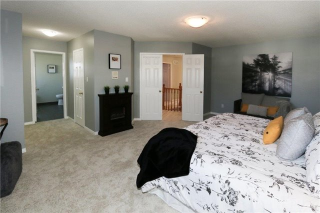 Detached at 47 Valleywood Dr, Whitby, Ontario. Image 2