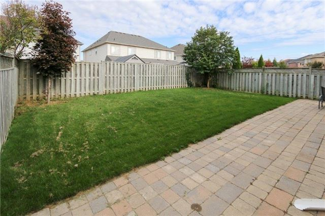 Detached at 47 Valleywood Dr, Whitby, Ontario. Image 13