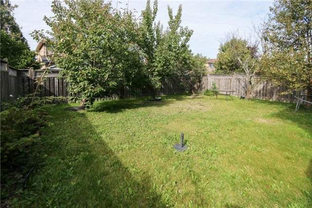Detached at 102 Medland Ave, Whitby, Ontario. Image 11