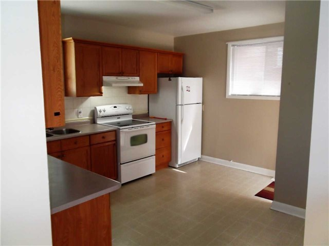 Detached at 481 Maple Ave, Ajax, Ontario. Image 13
