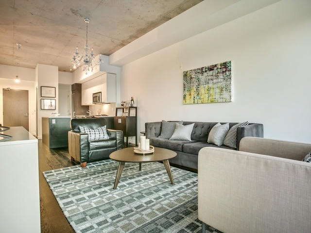 Condo Apartment at 90 Broadview Ave, Unit 733, Toronto, Ontario. Image 16