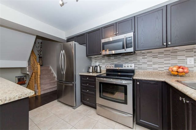 Townhouse at 24 Silvester St, Ajax, Ontario. Image 3