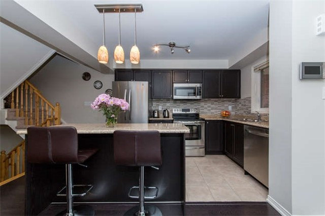 Townhouse at 24 Silvester St, Ajax, Ontario. Image 4