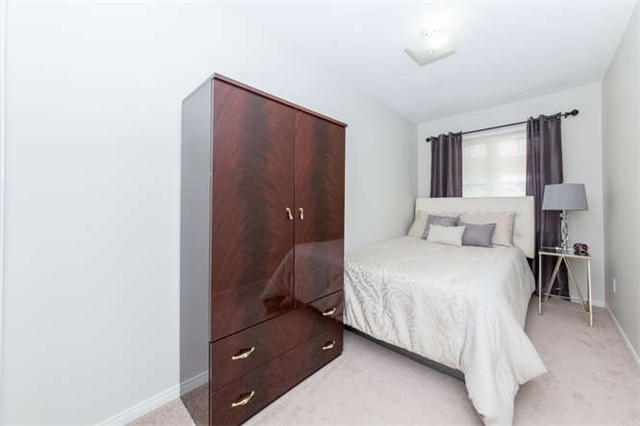 Townhouse at 24 Silvester St, Ajax, Ontario. Image 11