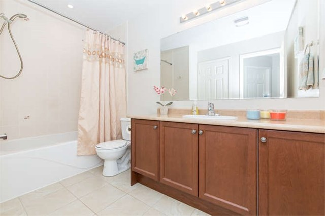 Townhouse at 24 Silvester St, Ajax, Ontario. Image 13