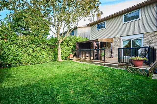 Detached at 504 Downland Dr, Pickering, Ontario. Image 9