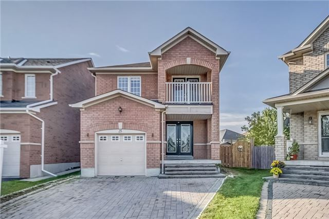 Detached at 25 Rampart Cres, Whitby, Ontario. Image 1