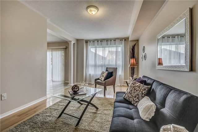 Detached at 25 Rampart Cres, Whitby, Ontario. Image 18