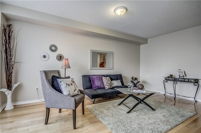 Detached at 25 Rampart Cres, Whitby, Ontario. Image 19