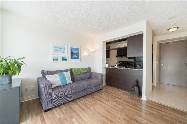 Condo Apartment at 60 Town Centre Crt, Unit 709, Toronto, Ontario. Image 13