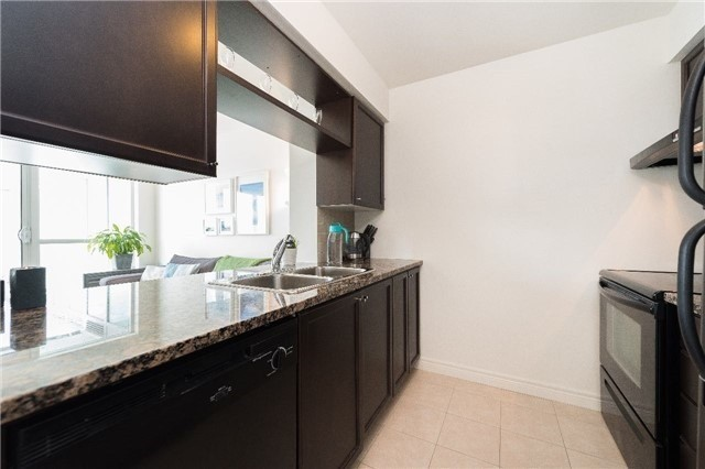 Condo Apartment at 60 Town Centre Crt, Unit 709, Toronto, Ontario. Image 16