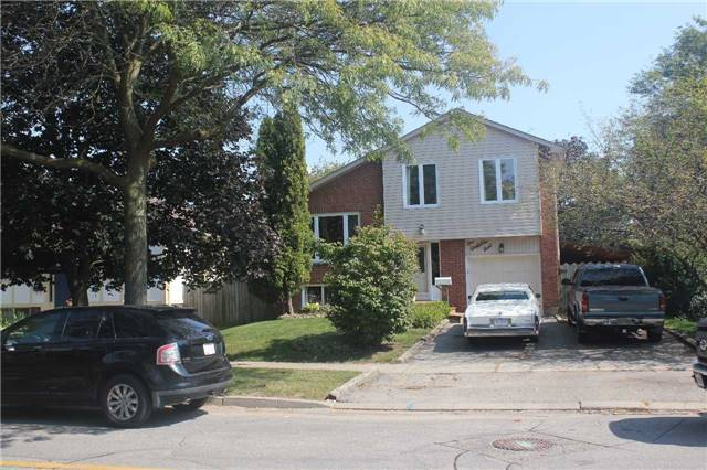 Detached at 1 Goodfellow St, Whitby, Ontario. Image 12