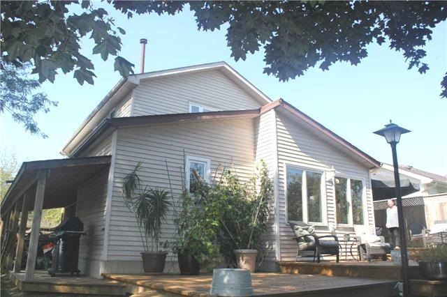 Detached at 1 Goodfellow St, Whitby, Ontario. Image 10
