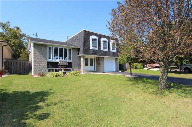 Detached at 4 Slater Cres, Ajax, Ontario. Image 1