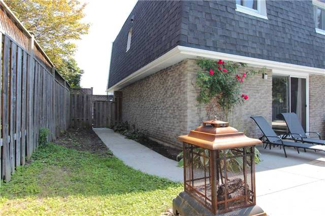Detached at 4 Slater Cres, Ajax, Ontario. Image 13
