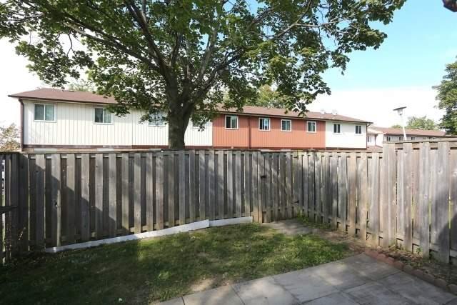 Condo Townhouse at 540 Dorchester Dr, Unit 25, Oshawa, Ontario. Image 14