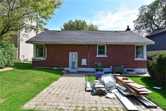 Detached at 866 Regent Dr, Oshawa, Ontario. Image 10