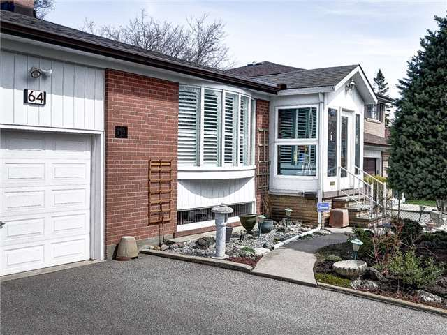 Detached at 64 Sonmore Dr, Toronto, Ontario. Image 1