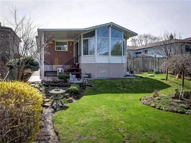 Detached at 64 Sonmore Dr, Toronto, Ontario. Image 10