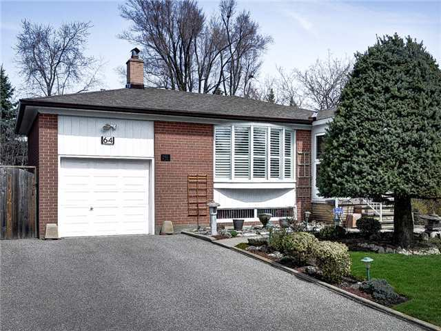 Detached at 64 Sonmore Dr, Toronto, Ontario. Image 7
