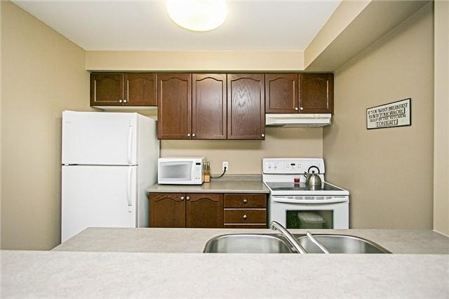 Condo Apartment at 136 Aspen Springs Dr, Unit 309, Clarington, Ontario. Image 11