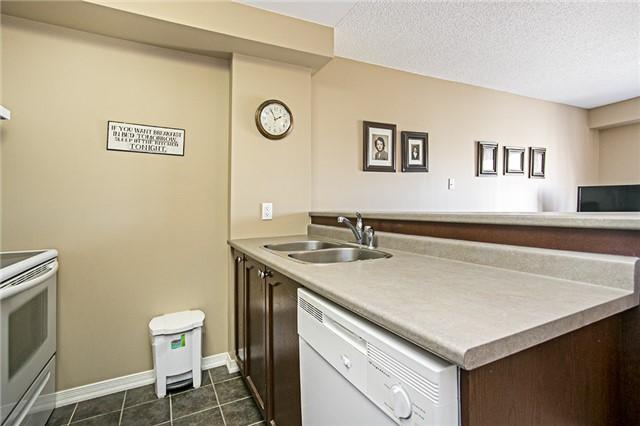Condo Apartment at 136 Aspen Springs Dr, Unit 309, Clarington, Ontario. Image 12
