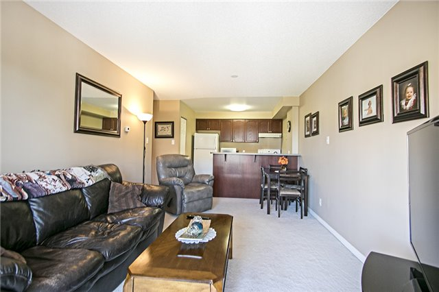 Condo Apartment at 136 Aspen Springs Dr, Unit 309, Clarington, Ontario. Image 14