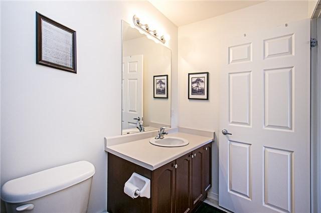 Condo Apartment at 136 Aspen Springs Dr, Unit 309, Clarington, Ontario. Image 4
