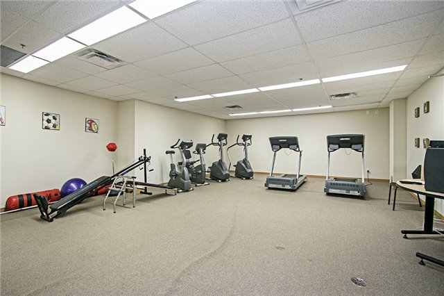 Condo Apartment at 136 Aspen Springs Dr, Unit 309, Clarington, Ontario. Image 8