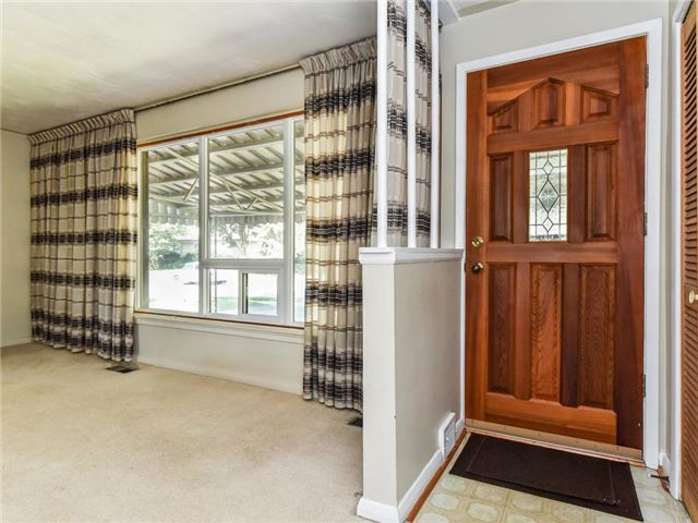 Detached at 1 Hiley Ave, Ajax, Ontario. Image 12