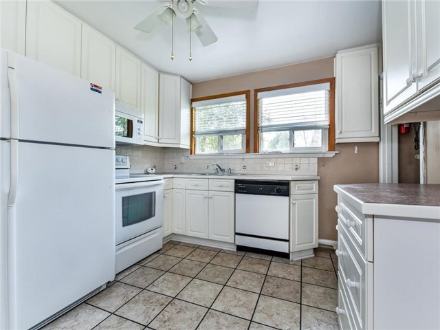 Detached at 1 Hiley Ave, Ajax, Ontario. Image 17