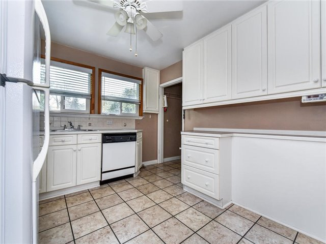 Detached at 1 Hiley Ave, Ajax, Ontario. Image 18