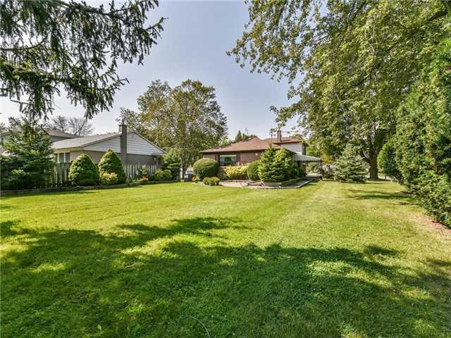 Detached at 1 Hiley Ave, Ajax, Ontario. Image 8