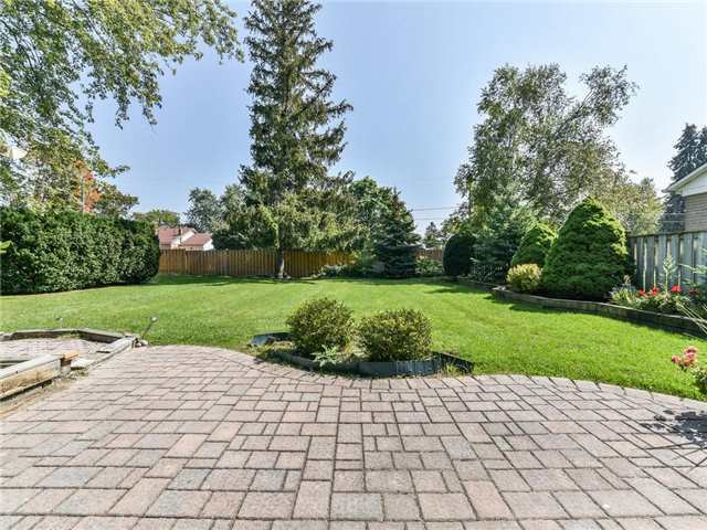 Detached at 1 Hiley Ave, Ajax, Ontario. Image 9