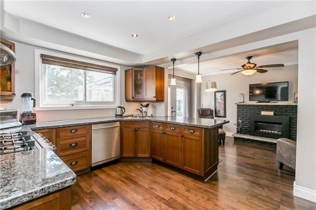 Detached at 871 West Shore Blvd, Pickering, Ontario. Image 16