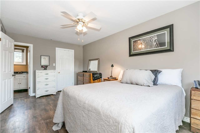 Detached at 871 West Shore Blvd, Pickering, Ontario. Image 3
