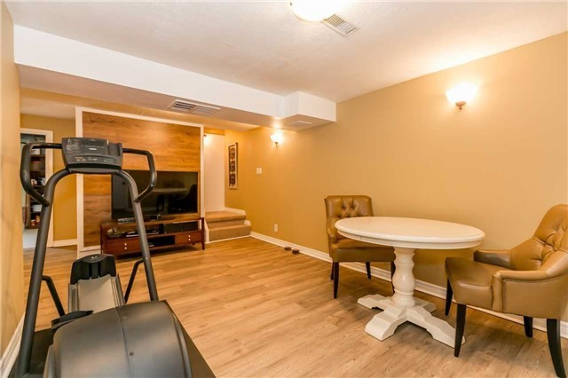 Detached at 871 West Shore Blvd, Pickering, Ontario. Image 7